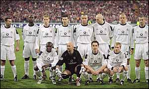 Karl Power joins Man Utd for the team photo