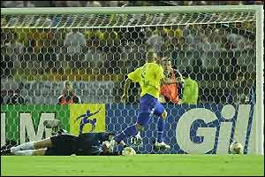 Kahn's fumble allows Brazil to go ahead in the 67th minute