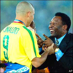 Pele congratulates Ronaldo on his success