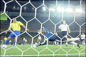 Ronaldo pounces on Kahn's mistake to score the first goal in the World Cup final
