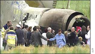 Relatives visit the wreckage from the air crash at Ueberlingen