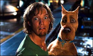 Shaggy (Matthew Lillard) with Scooby