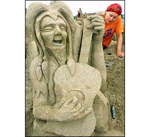 Sand sculpture of German literary figure Owlglass