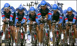 Lance Armstrong and the other members of the US Postal Service Team ride together during the team time trial between Epernay to Chateau-Thierry
