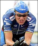 Lance Armstrong shows the strain of the time trial