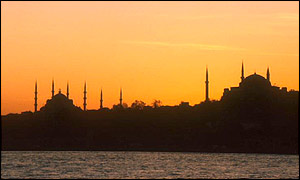 Sunset skyline of the Sultan Suleymaniye Mosque, Istanbul