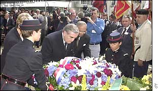 Jean-Pierre Raffarin lays wreath at the memorial