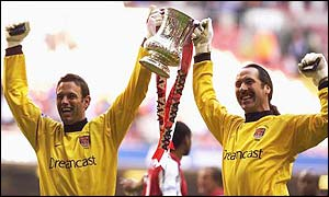 Richard Wright (left) and David Seaman