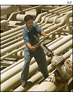 Iraqi oil worker