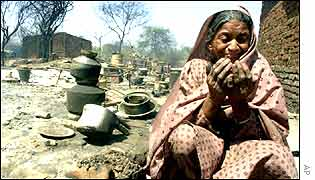 A muslim woman whose house was burnt down