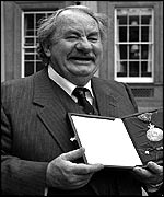 Leo McKern receiving The Order of Australia at Buckingham Palace