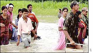 Indian soldiers lead Assam villagers to safety