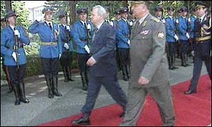 Mr Milosevic reviewing troops