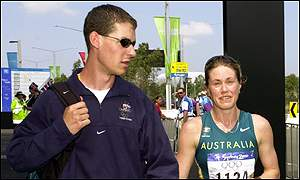 Nathan Deakes consoles Saville after her disqualification at the Sydney Olympics