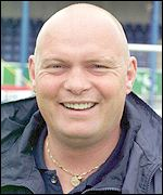 <b>David Jeffrey's</b> Linfield team face Rangers at Windsor Park - _38165546_david_jeffrey_150