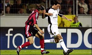 Manchester United striker Ruud van Nistelrooy in action against Bayer Leverkusen