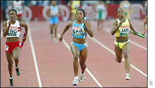 Debbie Ferguson clinches gold for the Bahamas in the women's 4x100m relay