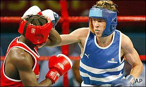 England's Darren Barker wins his country's first boxing gold of the Games with victory over Ugandan Mohammed Kayongo