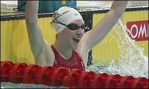 Rebecca Cooke wins another gold for England