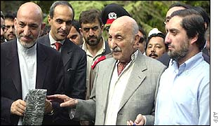 (Left to right) President Karzai, Zahir Shah and Foreign Minister Abdullah Abdullah