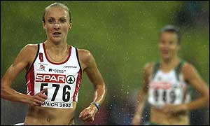 Paula Radcliffe eclipsed second-placed Sonia O'Sullivan