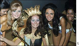 Miss Brazil Lucia Petterie and runners up