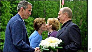 George Bush meets Vladimir Putin near Moscow