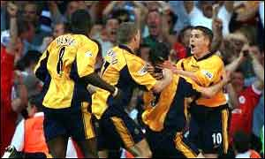 Liverpool players rush to congratulate Michael Owen at the 2001 FA Cup final