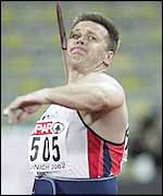 Steve Backley throws for gold