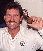 Allan Border celebrates winning back the Ashes in 1989