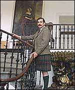 Bbc News Uk Scotland Tourists Flock To Castle Of Mey