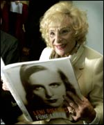 At the 2000 launch of her pictorial biography