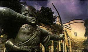 The Robin Hood statue in Nottingham