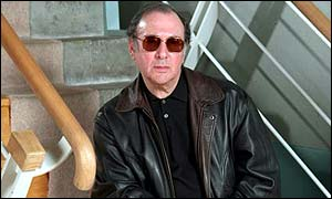 BBC NEWS | Entertainment | Pinter 'on road to recovery'