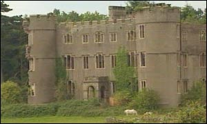 BBC NEWS   UK   Wales   Castle ruin faces planning 'threat'
