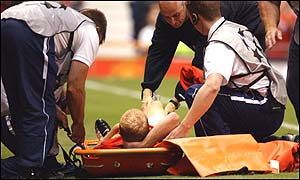 Paul Scholes is stretchered off