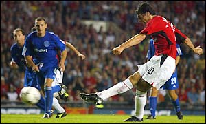 Ruud van Nistelrooy strikes home Manchester United's 4th goal from the penalty spot