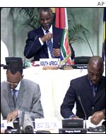 Peace deal signed in South Africa