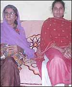 Mother (L) and daughter, both gas victims