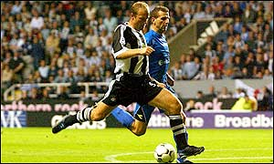 Shearer converts from close range