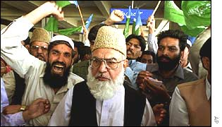 Qazi Hussain Ahmed and supporters