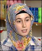 Meryem - 18-year-old woman who wears a headscarf