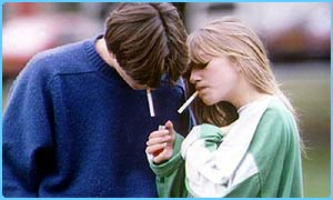 CBBC Newsround | UK | Kids can get hooked on smoking in one puff