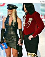 Michael Jackson (r) and Britney Spears