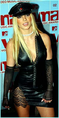 Worst Dress Award 1: Goes to.... Britney Spears