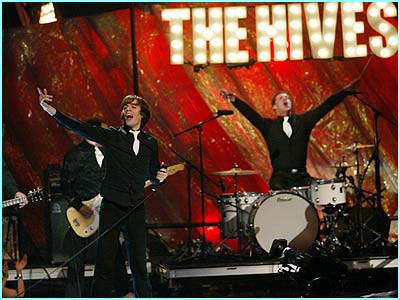 Your New Favourite Band - The Hives rock out
