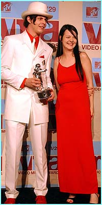 Jack and Meg White - aka The White Stripes. The vid for Fell In Love With A Girl won best editing and best breakthrough award