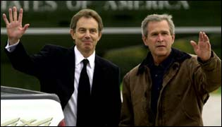 Tony Blair (l) and George Bush(r)
