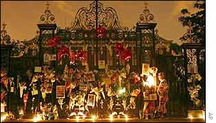 A candlelight vigil is held outside Kensington Palace