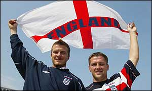 David Beckham (left) is replaced by Michael Owen (right)